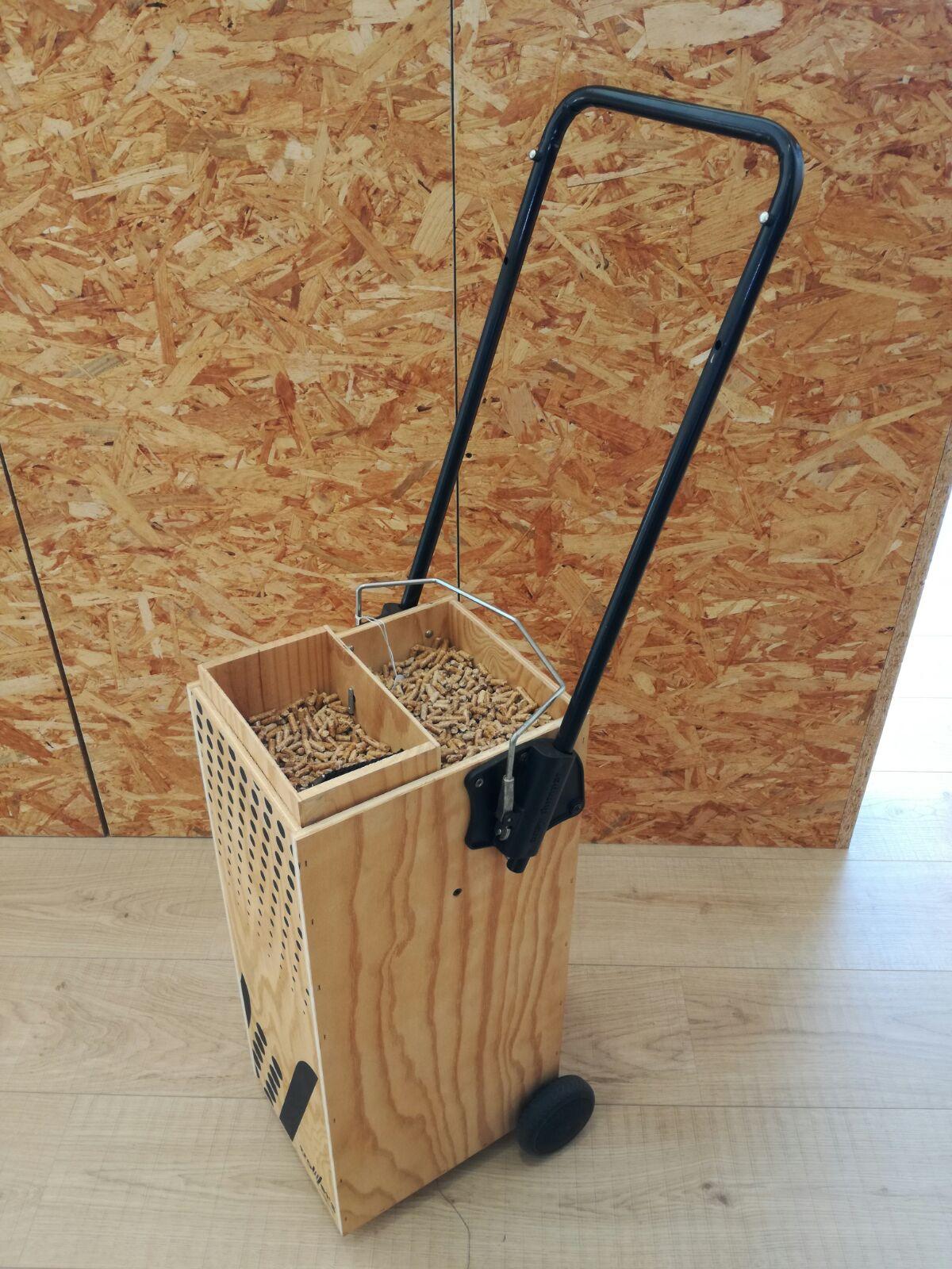 Carro amb rodes per Emmagatzemar pellet. 60€
